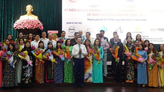 TPHCM tổ chức kỷ niệm 20 năm trao học bổng cho sinh viên nghèo vượt khó  ảnh 4