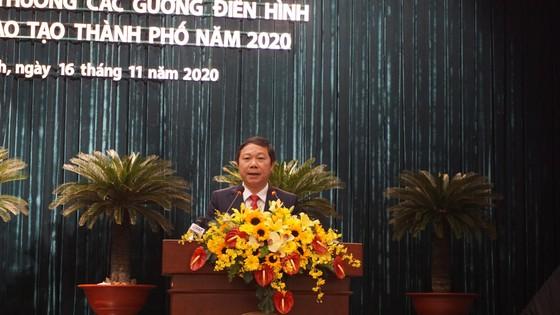 TPHCM tuyên dương, khen thưởng hơn 200 tập thể và cá nhân vì sự nghiệp giáo dục ảnh 1