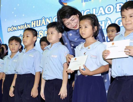 """Trường tiểu học """"100 năm tuổi"""" đón nhận Huân chương Lao động hạng nhất ảnh 5"""