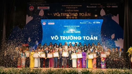 Giải thưởng Võ Trường Toản lần thứ 23 năm 2020 tôn vinh 50 nhà giáo tiêu biểu của TPHCM ảnh 6
