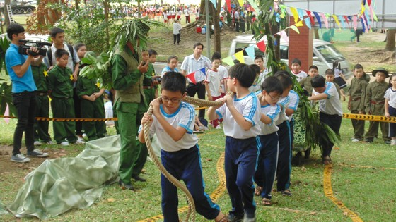 TPHCM: Hiệu trưởng chịu trách nhiệm tổ chức hoạt động ngoài giờ chính khóa cho học sinh ảnh 1