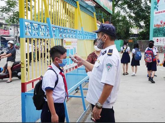 TPHCM:Trường học tăng cường theo dõi học sinh và phụ huynh thuộc diện F0, F1, F2 ảnh 1