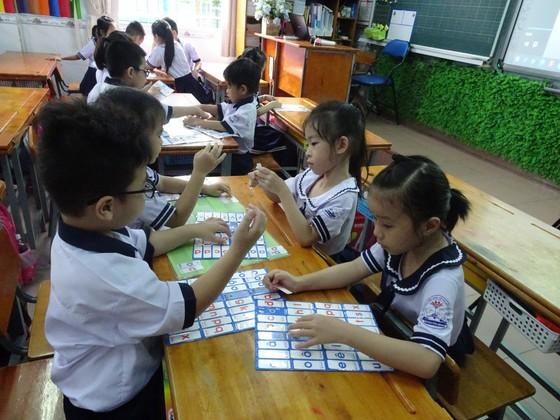 TPHCM đề xuất hỗ trợ học phí đối với học sinh các trường tiểu học ngoài công lập ảnh 1