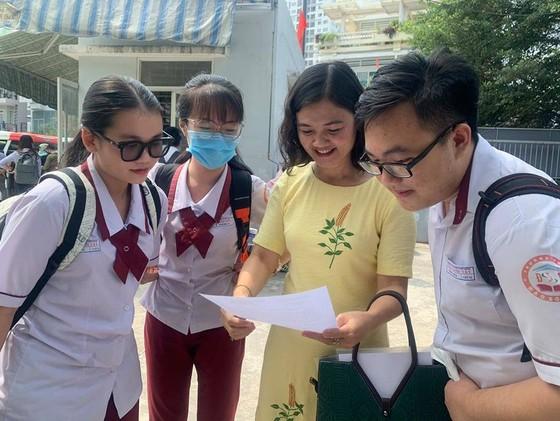 TPHCM: Hơn 6.000 học sinh đoạt giải thưởng cao trong kỳ thi học sinh giỏi cấp TP ảnh 1