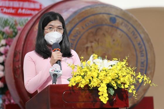 Lễ khai giảng đặc biệt với nhiều xúc động tại Trường THPT chuyên Lê Hồng Phong ảnh 2