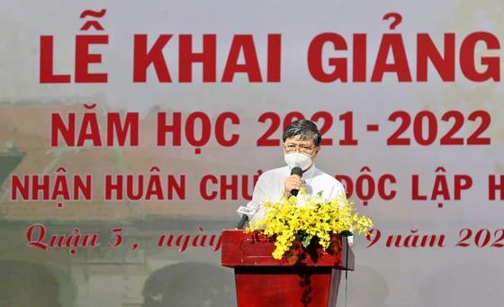 Lễ khai giảng đặc biệt với nhiều xúc động tại Trường THPT chuyên Lê Hồng Phong ảnh 1