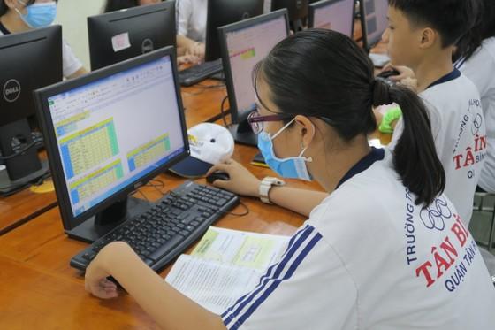 TPHCM: Để dạy, học trực tuyến hiệu quả phải thay đổi tâm lý giáo viên và học sinh  ảnh 1