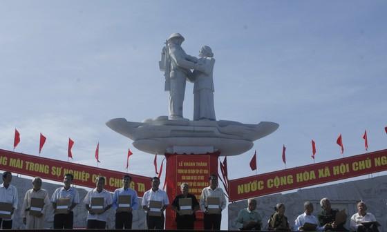 Khánh thành tượng đài tưởng niệm sự kiện tập kết 1954 ảnh 4