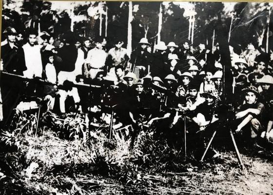 """Triển lãm """"Đảng Cộng sản Việt Nam – 90 mùa Xuân lịch sử"""" ảnh 4"""
