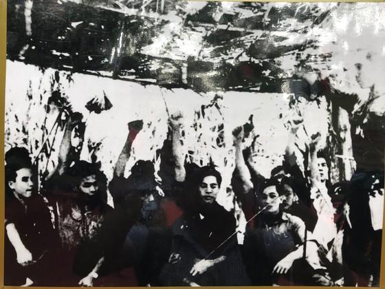 """Triển lãm """"Đảng Cộng sản Việt Nam – 90 mùa Xuân lịch sử"""" ảnh 3"""