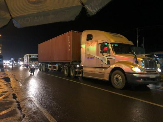 Nhiều phương án để hạn chế ùn tắc giao thông cục bộ qua cầu Rạch Miễu ảnh 1