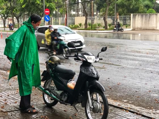 Xuất hiện mưa 'vàng' giải nhiệt cho ĐBSCL ảnh 1