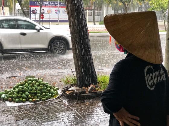 Xuất hiện mưa 'vàng' giải nhiệt cho ĐBSCL ảnh 4