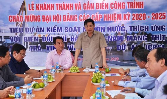Bộ NN-PTNT bàn giao 3 cống kiểm sót mặn ngọt tiến tiến nhất Việt Nam ảnh 1