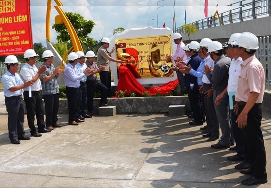 Bộ NN-PTNT bàn giao 3 cống kiểm sót mặn ngọt tiến tiến nhất Việt Nam ảnh 3