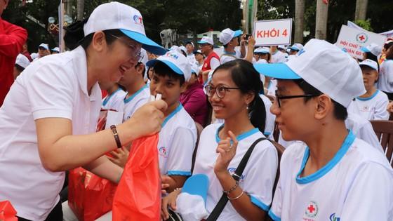 Hơn 5.000 người đi bộ Vì nạn nhân chất độc da cam ảnh 5
