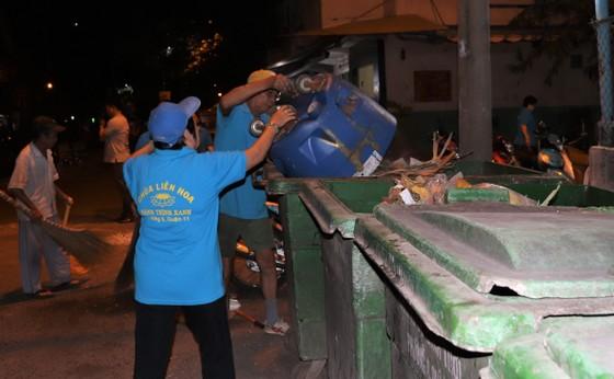 Ra quân dọn vệ sinh trên địa bàn dân cư   ảnh 3