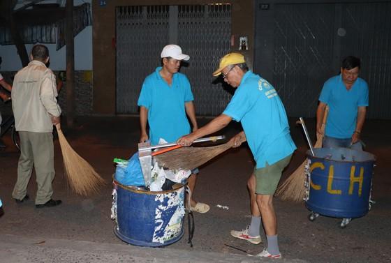 Ra quân dọn vệ sinh trên địa bàn dân cư   ảnh 1