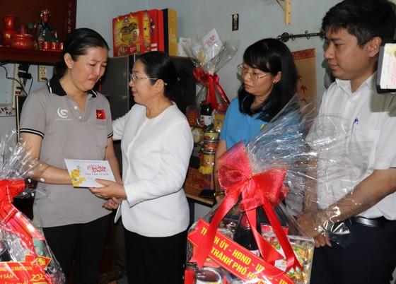 Lãnh đạo Thành ủy TPHCM thăm, chúc tết các đơn vị, doanh nghiệp, cá nhân trên địa bàn thành phố ảnh 3