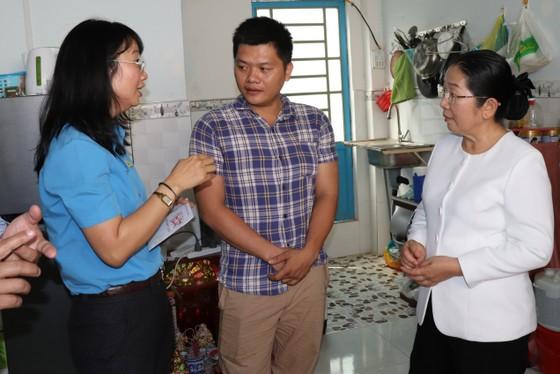 Lãnh đạo Thành ủy TPHCM thăm, chúc tết các đơn vị, doanh nghiệp, cá nhân trên địa bàn thành phố ảnh 4