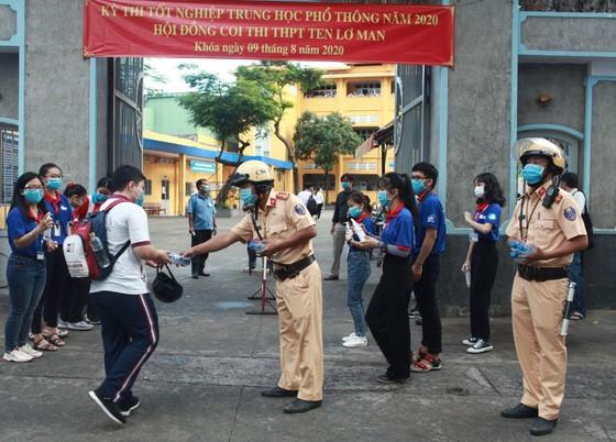 Tuổi trẻ TPHCM ra quân đảm bảo giao thông kỳ thi THPT ảnh 1