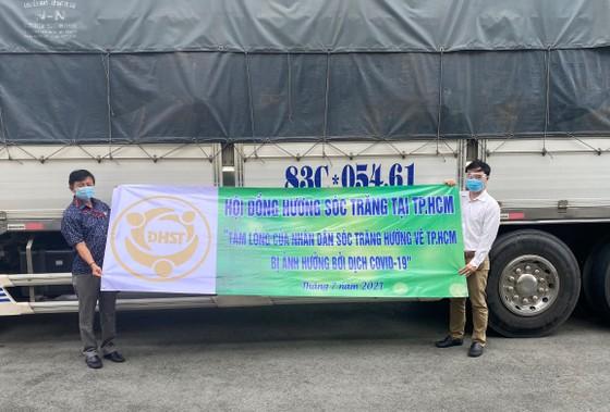 Sóc Trăng gửi 60 tấn hàng hóa hỗ trợ đồng hương và người dân tại TPHCM ảnh 2