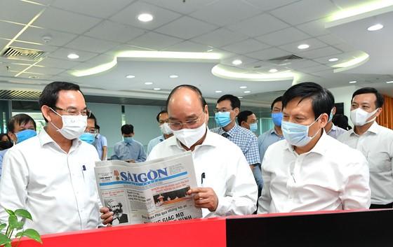 Chủ tịch nước Nguyễn Xuân Phúc: Báo SGGP đổi mới tư duy, quyết liệt hành động để xứng đáng vị thế của TPHCM ảnh 2