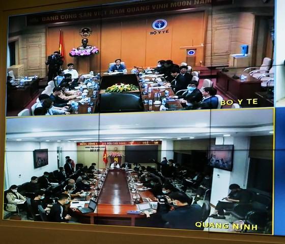 Phát hiện 2 ca nhiễm Covid-19 trong cộng đồng, Phó Thủ tướng họp khẩn trong đêm với tỉnh Hải Dương và Quảng Ninh ảnh 3