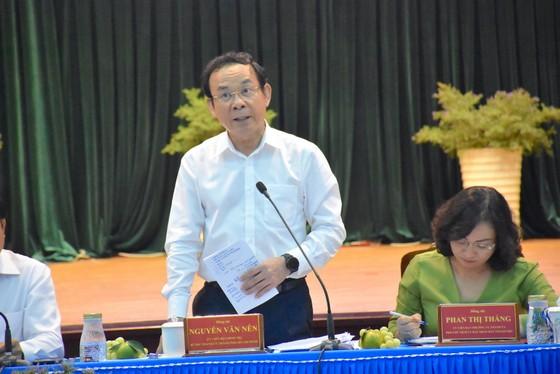 Bí thư Thành ủy Nguyễn Văn Nên yêu cầu đẩy mạnh chuyển đổi số để giảm phiền hà cho người dân ảnh 1