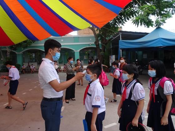TPHCM: Thông báo khẩn về rà soát y tế tại các trường học ảnh 1