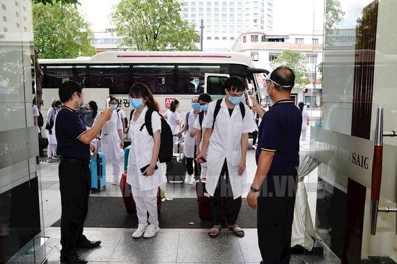 Khách sạn, doanh nghiệp du lịch TPHCM 'bao' trọn gói chỗ ăn ở cho y bác sĩ chống dịch