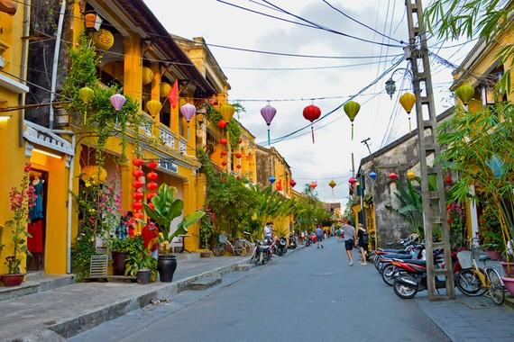 Nhiều địa phương như Hội An, Nha Trang đã có kế hoạch sẵn sàng đón khách trở lại.