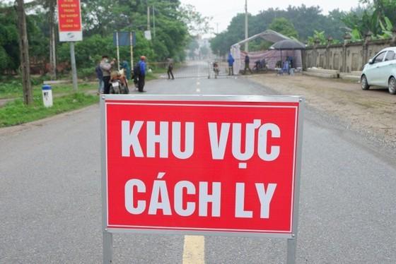 Cà Mau: Phê bình chủ tịch huyện, yêu cầu đình chỉ trưởng trạm y tế vì lơ là phòng chống dịch