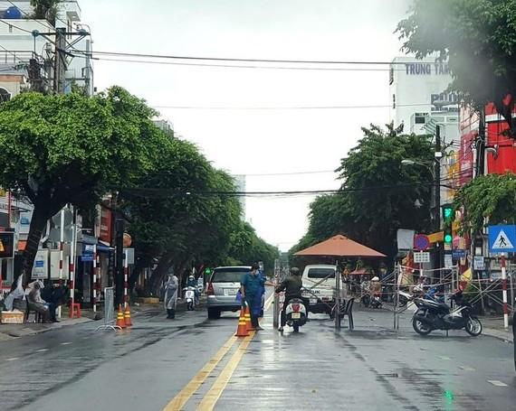 Kiên Giang quyết tâm chuyển vùng nguy cơ cao thành vùng bình thường mới vào ngày 20-9. Ảnh: QUỐC BÌNH
