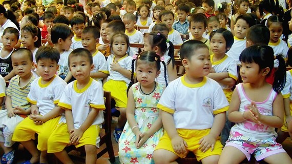 Chính phủ thống nhất chủ trương thực hiện chính sách miễn học phí đối với trẻ mầm non 5 tuổi, học sinh trung học cơ sở trường công lập