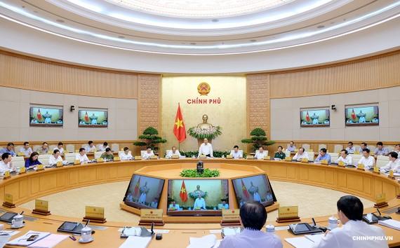 Chính phủ họp thường kỳ tháng 8. Ảnh: VGP