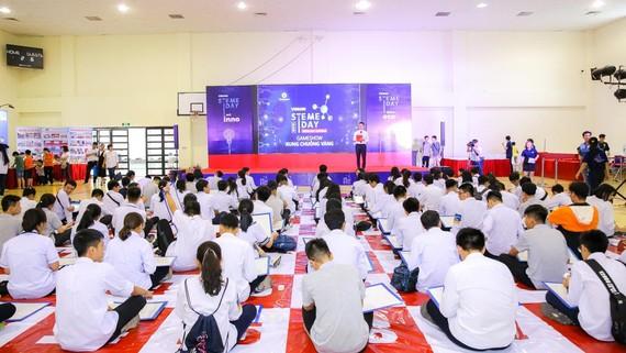 Học sinh tham gia các hoạt động của ngày hội