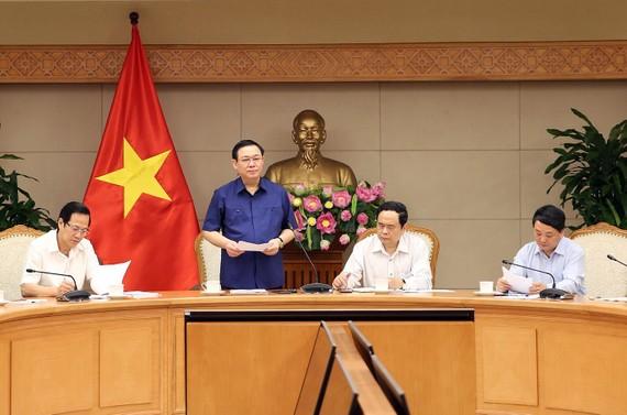 Phó Thủ tướng Vương Đình Huệ chủ trì cuộc họp