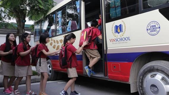 Nhiều trường học sử dụng dịch vụ đưa đón học sinh