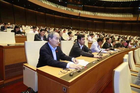 ĐBQH bấm nút thông qua nghị quyết vào chiều 26-11