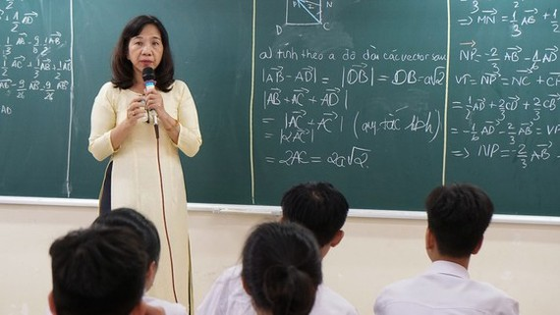 Cô Nguyễn Thu Hồng, Tổ trưởng chuyên môn Toán, Trường THPT Mạc Đĩnh Chi (TPHCM). Ảnh minh họa: HOÀNG HÙNG