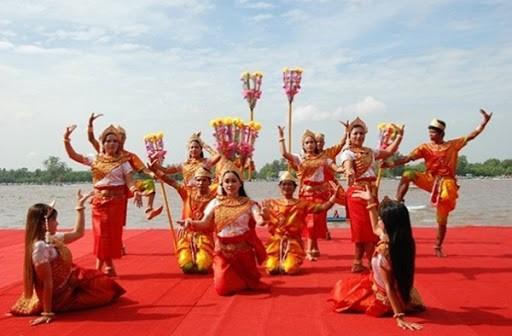 Chúc mừng Tết cổ truyền Chôl Chnăm Thmây của đồng bào dân tộc Khmer  