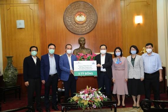 Ủy ban Trung ương MTTQ Việt Nam tiếp nhận ủng hộ ngày 3-4