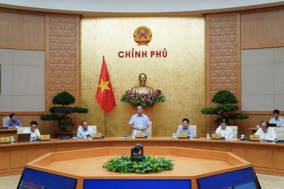 Thủ tướng chủ trì cuộc họp Thường trực Chính phủ ngày 9-6. Ảnh: QUANG PHÚC