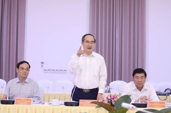 Đồng chí Nguyễn Thiện Nhân phát biểu khai mạc Hội nghị. Ảnh QUANG PHÚC
