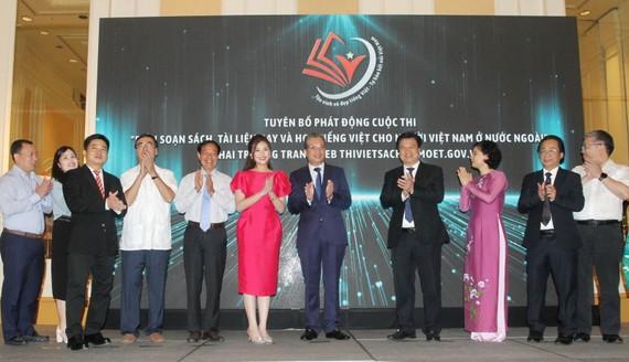 Lễ phát động thi biên soạn sách, tài liệu dạy và học tiếng Việt cho người Việt Nam ở nước ngoài ngày 16-9