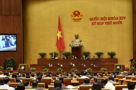 Phiên thảo luận về kinh tế-xã hội của Quốc hội ngày 5-11. Ảnh: QUANG PHÚC
