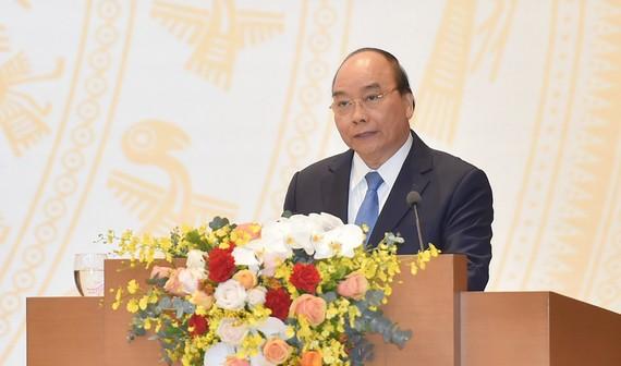 Thủ tướng cũng giao Bộ Quốc phòng, Bộ Công an tăng cường quản lý xuất nhập cảnh qua biên giới đường bộ, đường thủy, đường biển