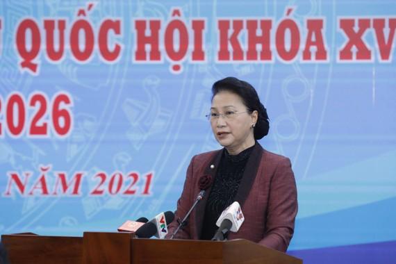 Chủ tịch Quốc hội Nguyễn Thị Kim Ngân phát biểu tại hội nghị sáng 4-2. Ảnh: VIẾT CHUNG