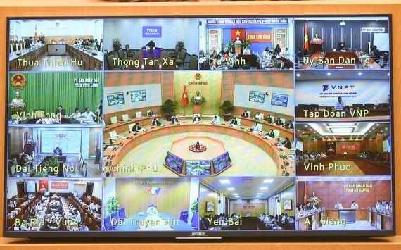 Cuộc họp trực tuyến về phòng chống Covid-19. ẢNH: VIẾT CHUNG